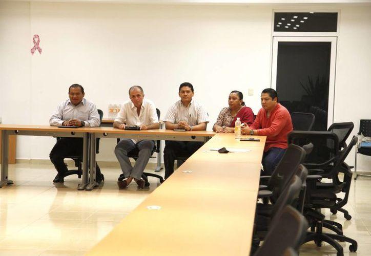 Miembros de la Comisión Interventora aseguraron que los docentes estaban enterados de la reunión. (Cortesía/SIPSE)