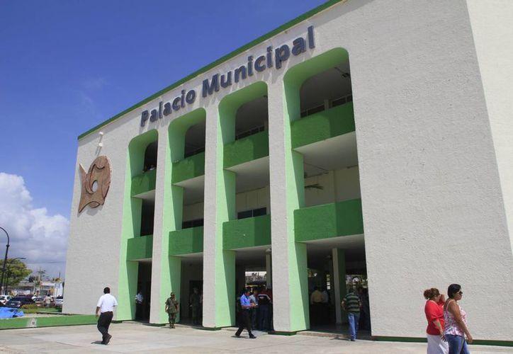 Hay pagos que tiene el municipio garantizados, principalmente la deuda adquirida por la que se erogan $4.5 millones al mes. (Harold Alcocer/SIPSE)
