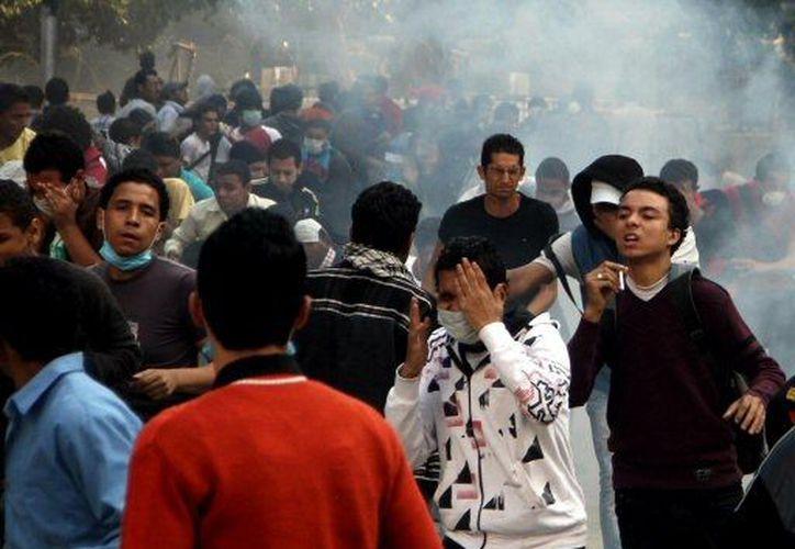 Los manifestantes se enfrentaron en la misma plaza que vio caer a Hosni Mubarak en 2011. (Agencias)
