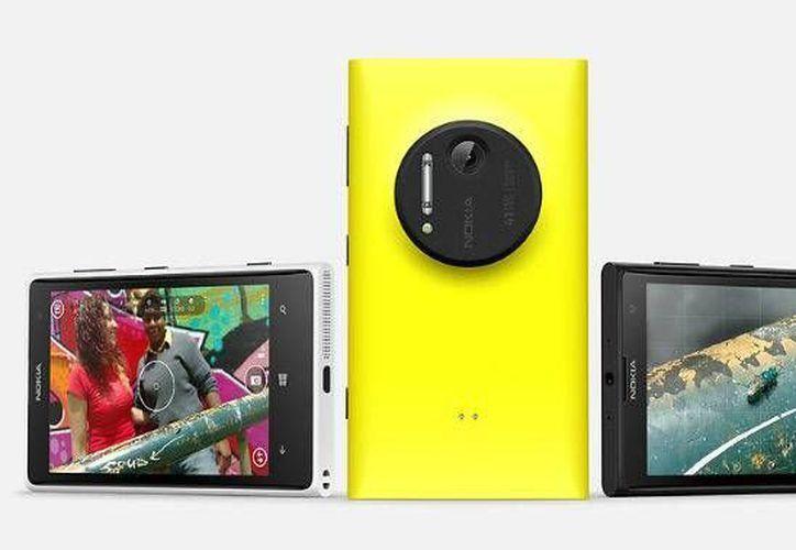 El Lumia 1020 llegará al mercado estadunidense el próximo 26 de julio. (Agencias)