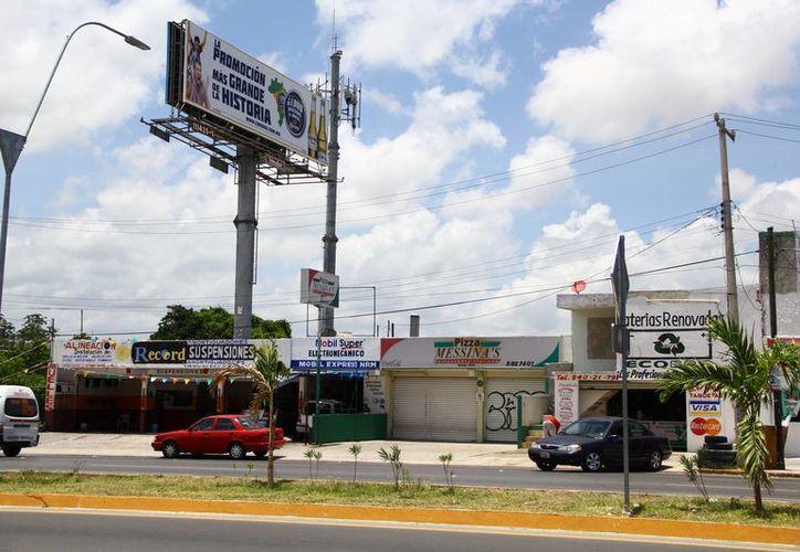 En Benito Juárez se cuenta con un registro en la Dirección de Desarrollo Urbano de poco más de 38 mil 700 establecimientos comerciales. (Gonzalo Zapatos/SIPSE)