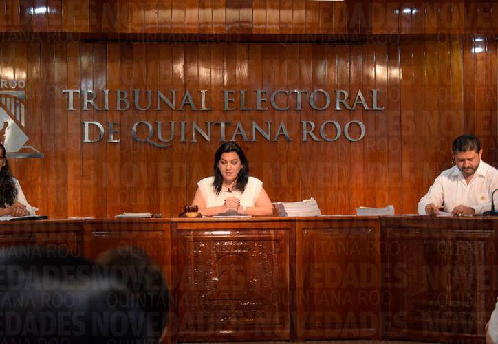 Los magistrados resolvieron los expedientes presentados por Emiliano Vladimir Ramos Hernández; el propio Toledo Medina, y la coalición Por Quintana Roo al Frente. (Joel Zamora/SIPSE)