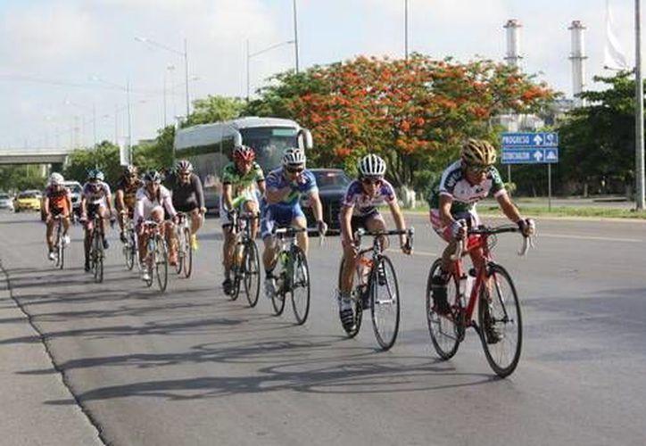 Carrera Ciclista del Día del Padre. (SIPSE)