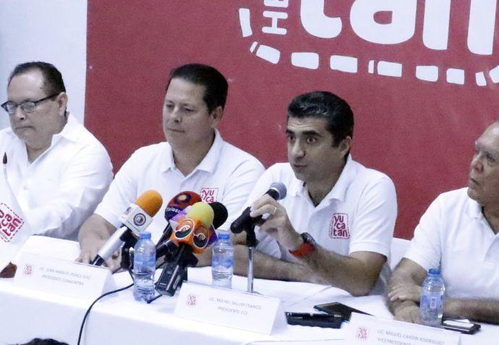 Integrantes de cámaras empresariales afirman que no quitarán el dedo del renglón. (Foto: José Acosta/ Milenio Novedades)