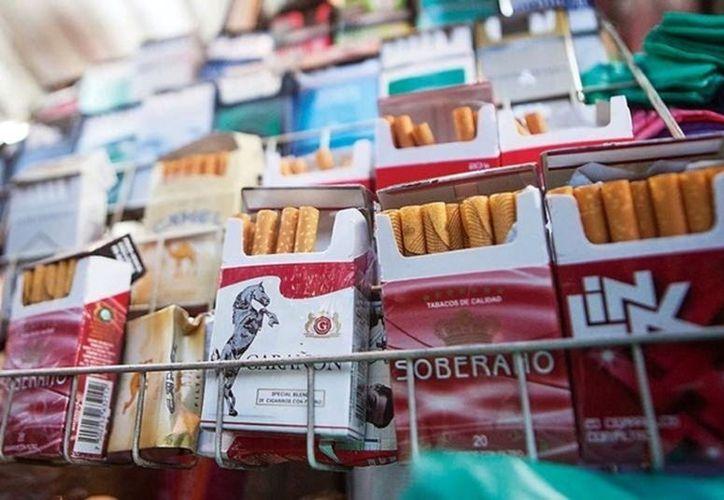 La venta unitaria de cigarros está prohibida por la ley. (Foto: Milenio Novedades)