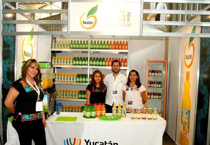 Rodrigo, participante en la Semana de Yucatán en México, no solo se regocija con lo que ha logrado en el mundo empresarial de los jugos, sino que ya tiene en mente exportar sabores endémicos de Yucatán. (Milenio Novedades)