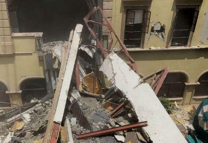 Los daños en los puentes de la universidad tras el sismo,  provocaron la muerte de cinco alumnos. (Foto: Contexto/24Horas)