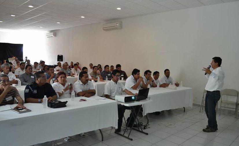 En el taller participaron representantes de las diferentes direcciones del Concejo local. (Redacción/SIPSE)