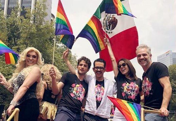 Elenco de la serie La casa de las flores, se unió a la marcha LGBT. (Instagram)
