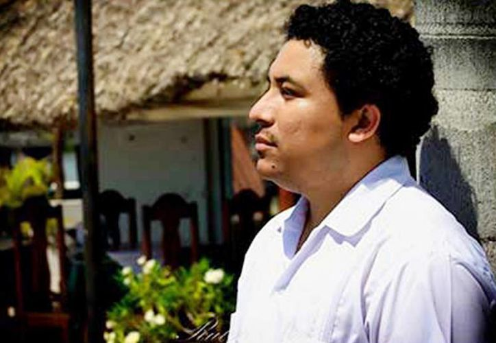 Manuel Iris agrega otro premio a su larga trayectoria literaria. La obra ganadora la firmó con el seudónimo de Amanuense. (Milenio Novedades)