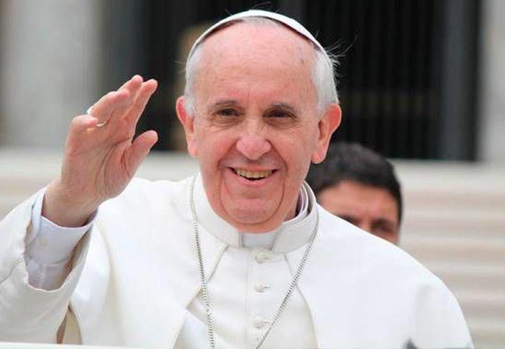 """El Papa Francisco denunció que la sociedad actual parece """"atontada"""" ante la difusión de tecnologías nucleares. (Contexto/Internet)."""