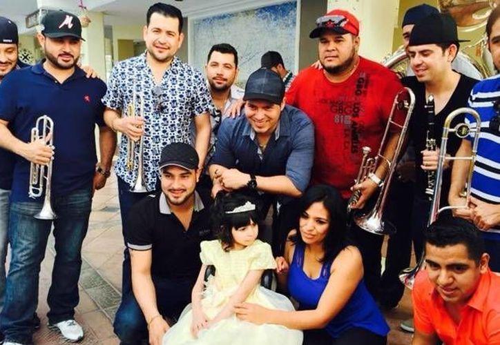 Los integrantes de la banda estuvieron el pasado jueves en Los Cabos para cantar Las Mañanitas en los XV años de Daniela. (bcsnoticias.mx)
