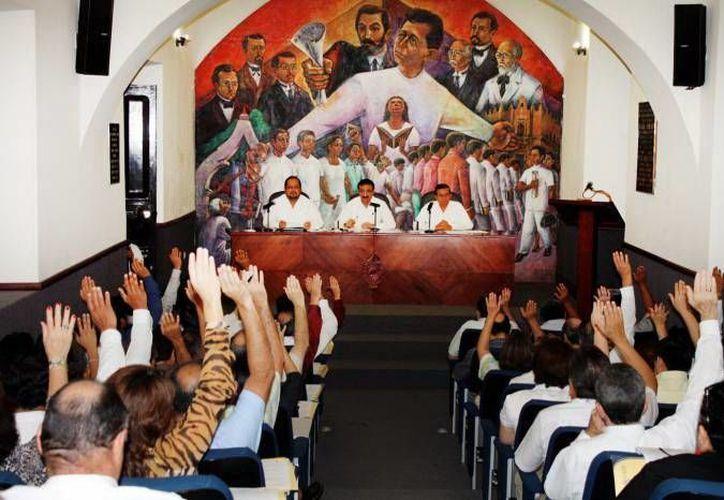 La elección se llevará a cabo en sesión del Consejo Universitario en las instalaciones de la Uady. (Milenio Novedades)