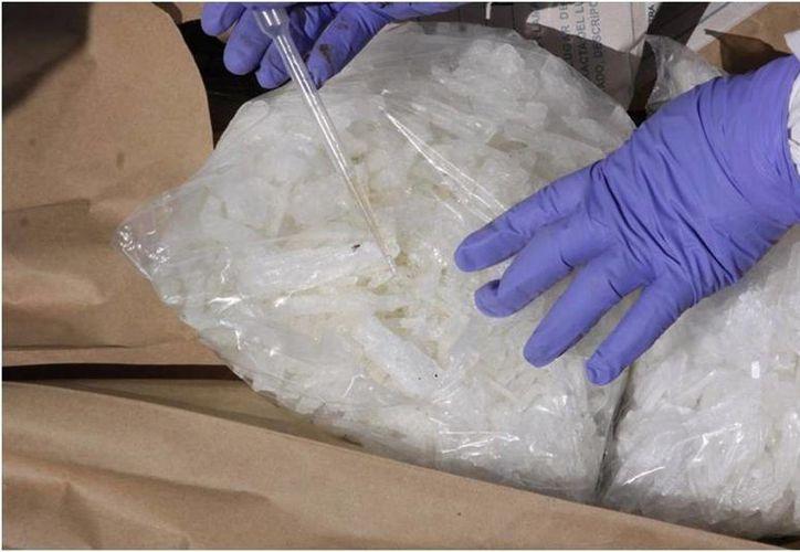 Las nuevas directrices de la PGR buscan evitar que se pierdan los indicios de un hecho delictivo, así como la contaminación del lugar de los hechos. La imagen corresponde al hallazgo de un cargamento de droga. (Archivo/Notimex)
