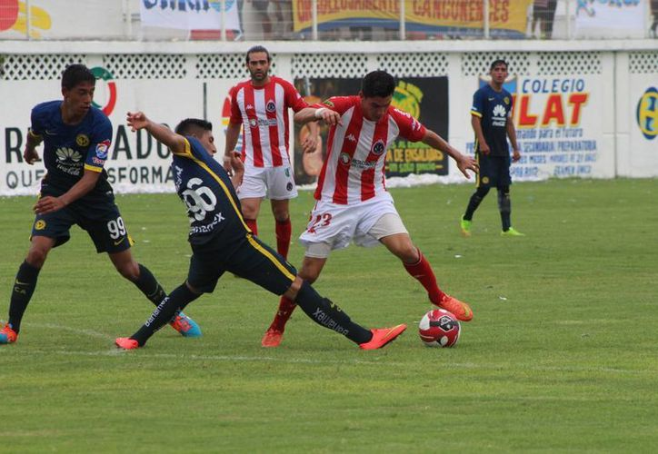El propio Luis García tuvo dos jugadas individuales dentro del área rival, pero en ninguna se produjo el disparo a puerta. (Ángel Mazariego/SIPSE)