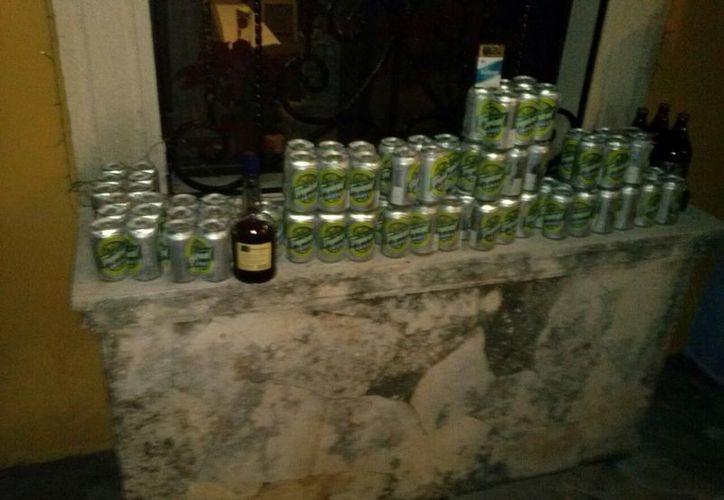 Llos adolescentes consumen grandes cantidades de alcohol en una sola ocasión. (SIPSE)