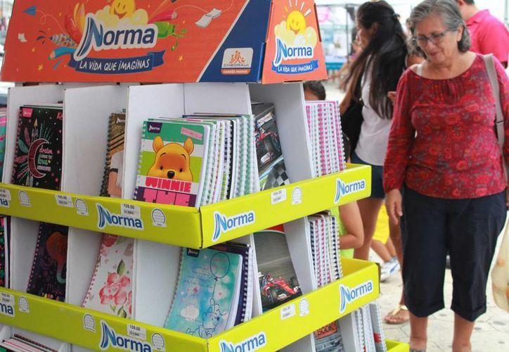 Todos los precios de los productos de la Feria del Regreso a Clases son avalados por la Profeco. (Luis Soto/SIPSE)
