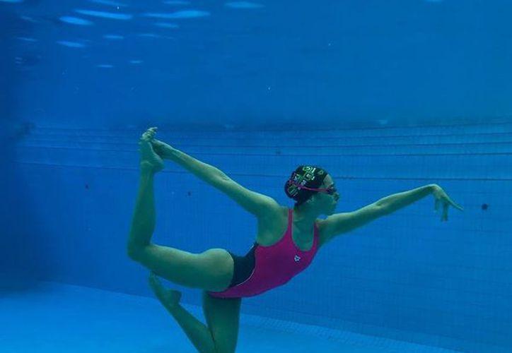 Karem Achach entrará a la piscina este fin de semana en el Abierto de Francia de Nado Sincronizado, como parte de su preparación a los Juegos Centroamericanos. (Foto: Instagram)