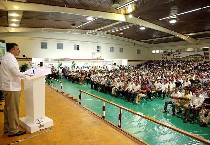 Inaugura Rolando Zapata Bello la Semana Estatal de Seguridad e Higiene en el Trabajo 2013. (Cortesía)