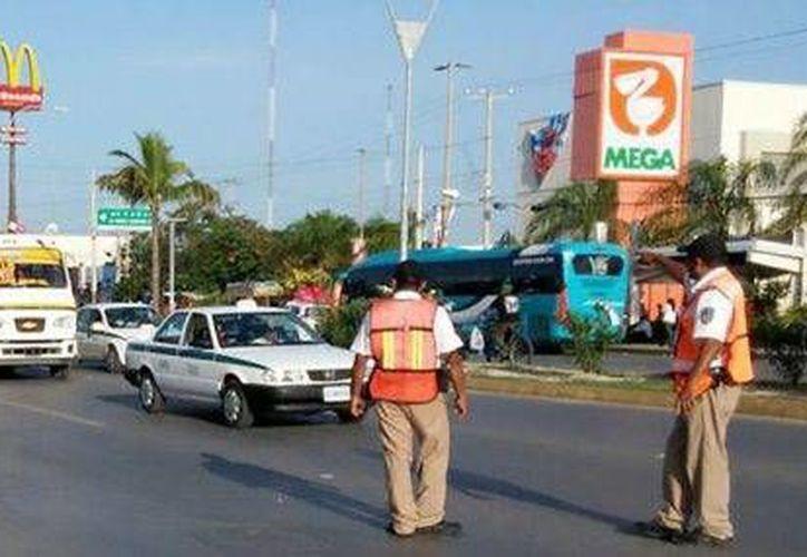 Los operadores de transporte han sido sancionados por no respetar el Reglamento para la Prestación del Servicio Público de Transporte Urbano. (Redacción/SIPSE)