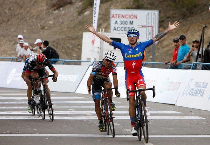 El ciclista costarricense fue el más fuerte entre los tres escapados. (nacion.com)