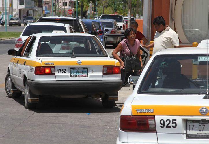 La Sintra pronto hará pública la autorización de un aumento en las tarifas que cobran los taxis en Chetumal. (Joel Zamora/SIPSE)
