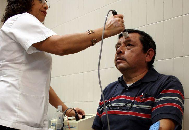 La recuperación de pacientes con parálisis facial, exitosa en 95% de los casos. (Foto: Milenio Novedades)
