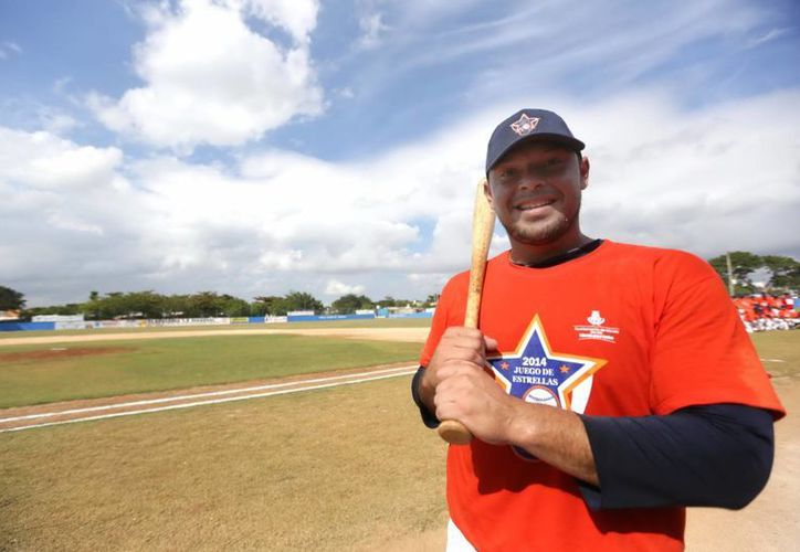El tabasqueño Carlos Morales fue el cañonero más destacado de la Liga Meridana de Invierno de Beisbol. (Milenio Novedades)