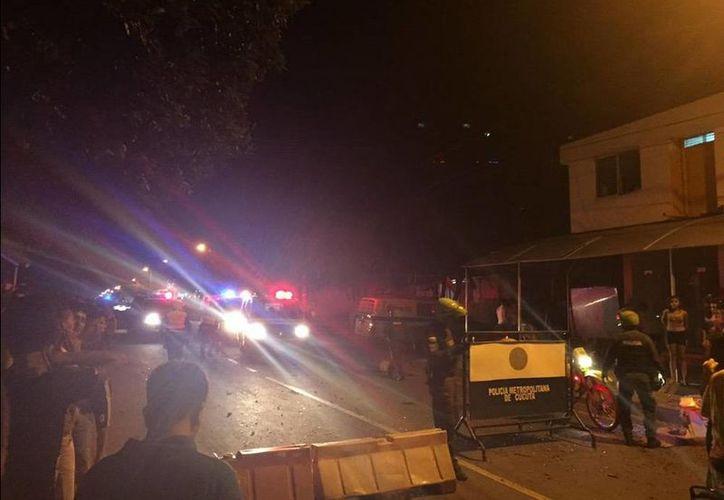 La policía acordonó la zona donde se registró la explosión.(Twitter/@wilsonpinto12)