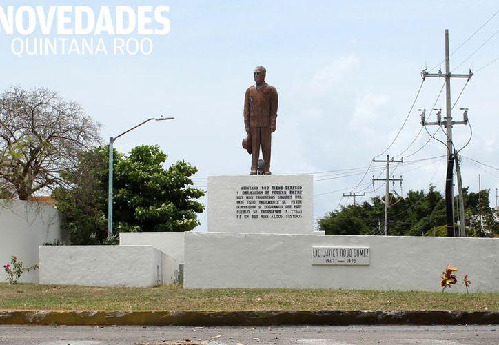 La efigíe es una réplica de la que existe en Huichiapan, Hidalgo, lugar de nacimiento de Javier Rojo Gómez. (Foto: Ángel Castilla/SIPSE).