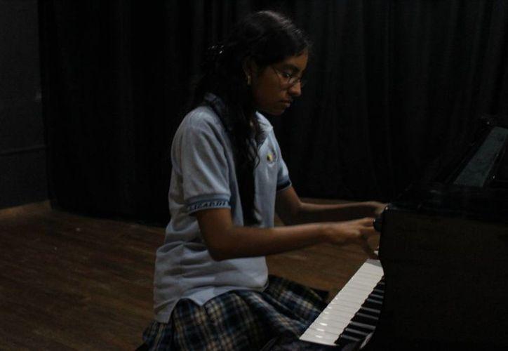 Isis Uzcanga, alumna de Vivaldi Studio, será una de las concertistas. (Andrea Aponte/SIPSE)