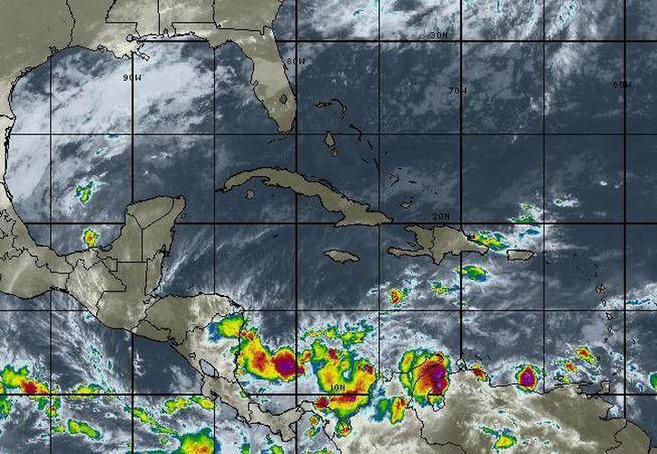 Para hoy se espera cielo nublado, la probabilidad de lluvias es del 40% en Chetumal. (Intellicast)