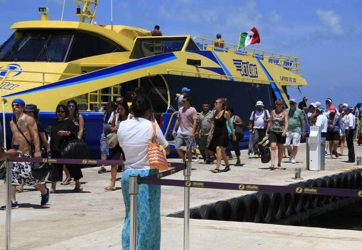 Si deseas viajar a Cozumel o a Isla Mujeres, debes estar atento a los horarios de embarcación. (Archivo/ SIPSE)