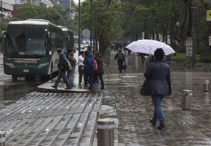 En la mayor parte del territorio nacional prevalecerá el potencial de lluvias, fuertes vientos y altas temperaturas. (Archivo/Notimex)