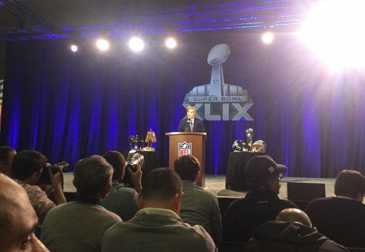 El Comisionado de la NFL, Roger Goodell, comento que no iniciaran investigaciones por especulaciones, con respecto al tema de los balones desinflados. (Sixto López/SIPSE)