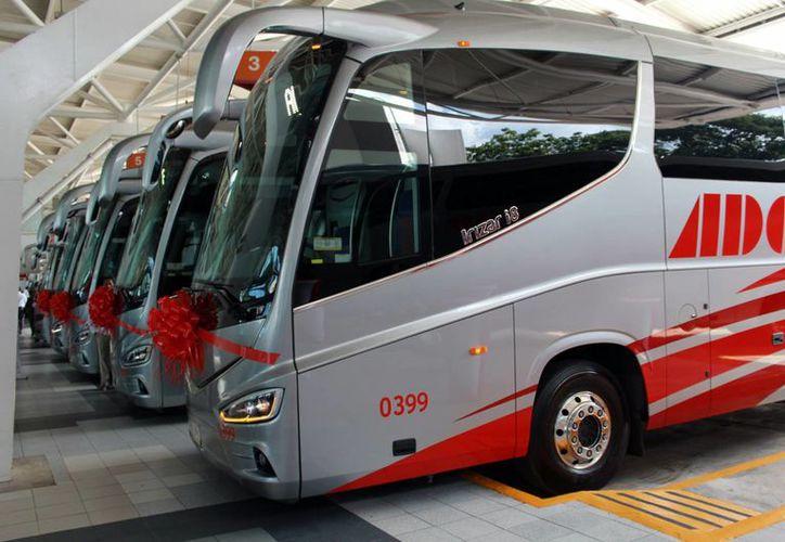 Autobuses de Oriente presentó las nuevas unidades. (Luis Soto/SIPSE)
