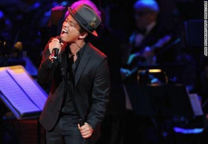 Bruno Mars se presentó anoche por primera vez en México en la Arena Ciudad de México. (diariolavoz.net)