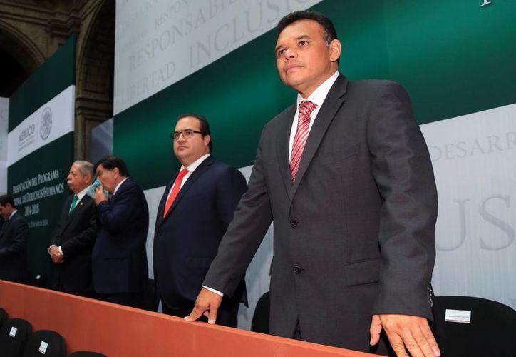 El gobernador Rolando Zapata Bello participó anoche en la presentación del Programa Nacional de Derechos Humanos 2014-2018. (SIPSE)