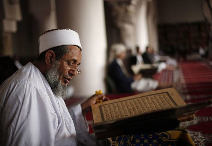 En promedio, los hombres musulmanes cuentan con 6.4 años de educación formal. Los judíos son el grupo religioso cuyos miembros cuentan con mayor escolaridad. (Archivo/The Associated Press)