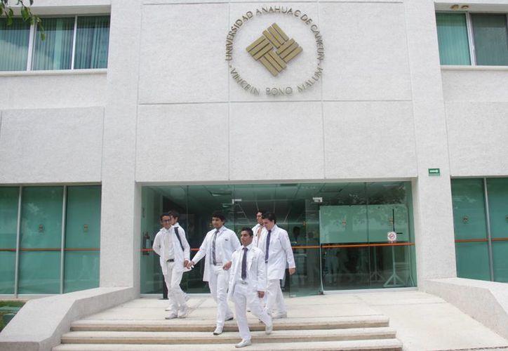 La matrícula de médicos en Quintana Roo resulta insuficiente de acuerdo con la estimación de la OMS. (Luis Soto/SIPSE)
