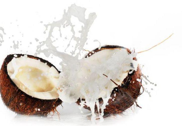 Todas las propiedades nutricionales del coco se concentran en su bebida. (recetin.com)
