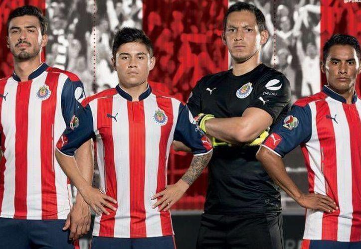 Esta es la playera que Chivas de Guadalajara utilizará como local en la Liga MX. (Foto: Puma México)
