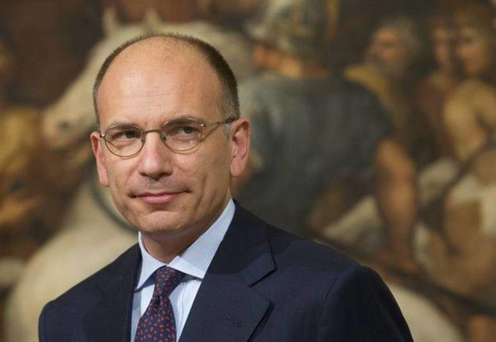 Enrico Letta llegó al Palacio del Quirinale, sede de la presidencia para dimitir de su puesto, luego que su partido  (Partido Democrático) pidiera un nuevo gobierno. (Agencias)