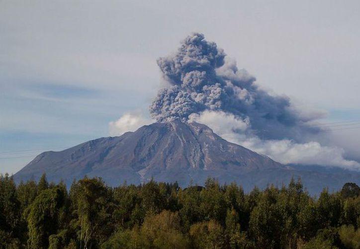El Calbuco es uno de los tres volcanes más peligrosos de Chile. (Internet)