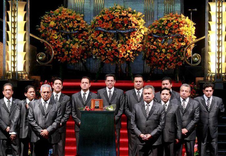 La Única Internacional Sonora Santanera participó en el homenaje que se le realizó a Juan Gabriel en el Palacio de Bellas Artes. (Archivo/ Notimex)