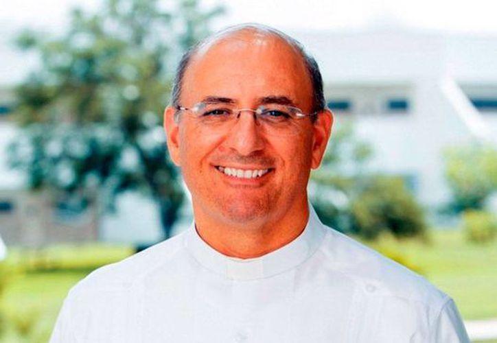 El actual rector de la Mayab, con 4 de estar al frente de la Universidad Anáhuac Mayab, deja su lugar a Miguel Enrique Pérez Gómez.(Archivo/SIPSE)