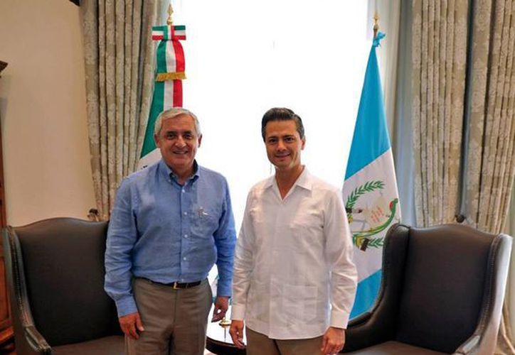 Peña Nieto recibió en Los Pinos al mandatario del vecino país, Otto Pérez. (Facebook Enrique Peña Nieto)