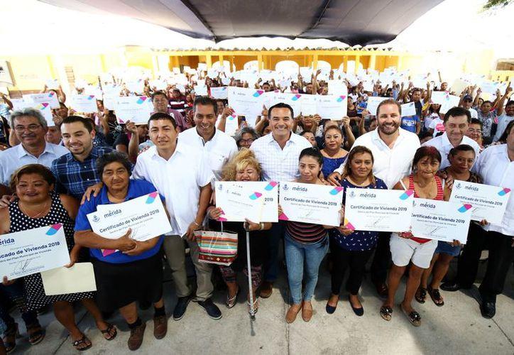 El Presidente Municipal encabezó la ceremonia en la comisaría de Caucel. (Novedades Yucatán)
