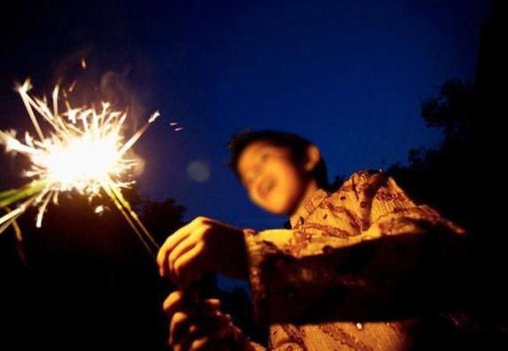 El menor de 12 años se encontraba con unos vecinos cuando el cohete le explotó. (Foto: Contexto)
