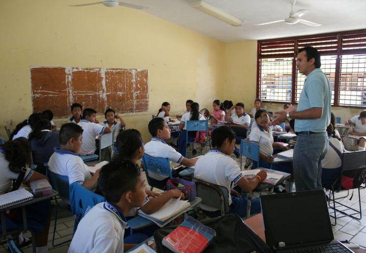 En Benito Juárez retornan alrededor 171 mil alumnos en las escuelas. (Israel Leal/SIPSE)